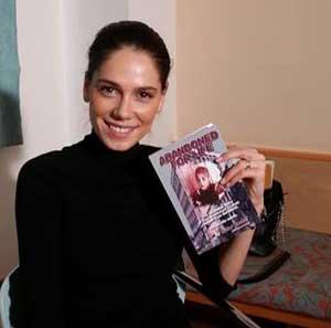 Irina Fodor with Ruckels autobiography